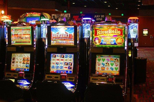 Стратегии выигрыша на игровых автоматах — помоги себе стать богаче
