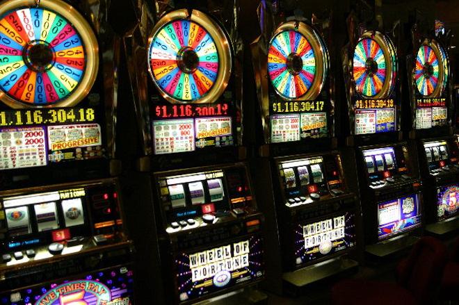 Популярный игровой клуб - казино Адмирал